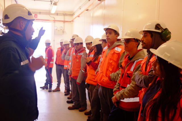 Alumnos de 4º Medio visitan Parque eólico Los Cururos